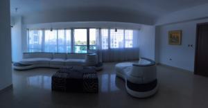 Apartamento En Alquileren Santo Domingo, Esperilla, Republica Dominicana, DO RAH: 17-460