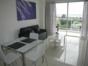 Apartamento En Alquileren Santo Domingo, La Julia, Republica Dominicana, DO RAH: 17-551