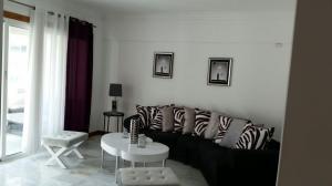 Apartamento En Alquiler En Santo Domingo, Naco, Republica Dominicana, DO RAH: 17-554