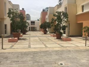 Townhouse En Alquiler En Santo Domingo, Los Cacicazgos, Republica Dominicana, DO RAH: 17-639