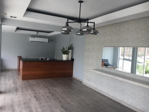 Apartamento En Alquiler En Santo Domingo, Los Cacicazgos, Republica Dominicana, DO RAH: 17-642