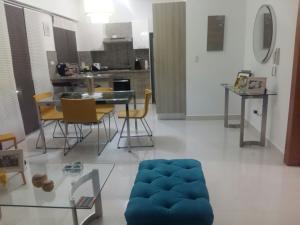 Apartamento En Alquiler En Santo Domingo, Bella Vista, Republica Dominicana, DO RAH: 17-568