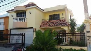 Casa En Venta En Santo Domingo Oeste, Hato Nuevo De Manoguayabo, Republica Dominicana, DO RAH: 17-689