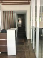 Apartamento En Alquiler En Santo Domingo, Renacimiento, Republica Dominicana, DO RAH: 17-753