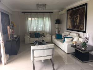 Apartamento En Alquiler En Santo Domingo, Bella Vista, Republica Dominicana, DO RAH: 17-783