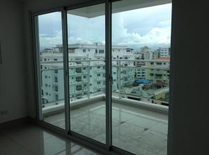 Apartamento En Alquiler En Santo Domingo, Evaristo Morales, Republica Dominicana, DO RAH: 17-815