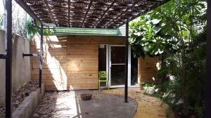 Local Comercial En Alquiler En Santo Domingo, Piantini, Republica Dominicana, DO RAH: 17-844