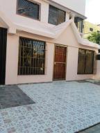 Apartamento En Alquiler En Santo Domingo, Mirador Sur, Republica Dominicana, DO RAH: 17-883