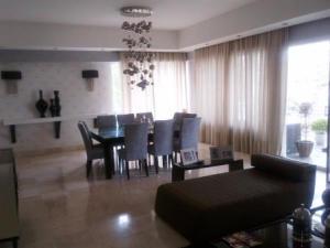 Apartamento En Alquiler En Santo Domingo, Naco, Republica Dominicana, DO RAH: 17-898