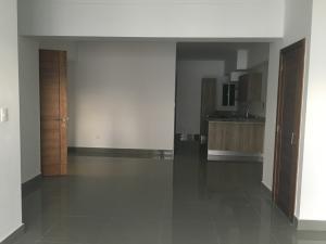Apartamento En Alquiler En Santo Domingo, Evaristo Morales, Republica Dominicana, DO RAH: 17-944