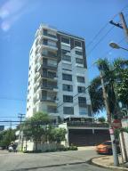 Apartamento En Alquiler En Santo Domingo, Los Cacicazgos, Republica Dominicana, DO RAH: 17-652
