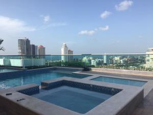 Apartamento En Alquiler En Santo Domingo, Los Cacicazgos, Republica Dominicana, DO RAH: 17-951