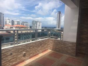 Apartamento En Alquileren Santo Domingo, Bella Vista, Republica Dominicana, DO RAH: 17-962