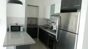 Apartamento En Alquiler En Santo Domingo, Gazcue, Republica Dominicana, DO RAH: 17-921