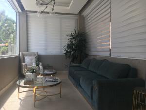 Apartamento En Alquiler En Santo Domingo, Naco, Republica Dominicana, DO RAH: 17-980