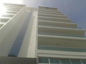 Apartamento En Alquiler En Santo Domingo, Naco, Republica Dominicana, DO RAH: 17-993