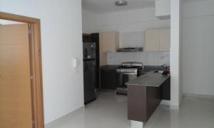 Apartamento En Alquileren Santo Domingo, Serralles, Republica Dominicana, DO RAH: 17-1127