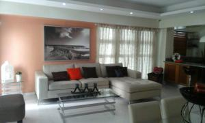 Apartamento En Ventaen Santo Domingo, Serralles, Republica Dominicana, DO RAH: 17-1196