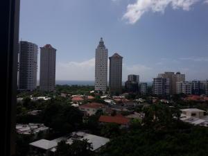 Apartamento En Alquileren Santo Domingo, Los Cacicazgos, Republica Dominicana, DO RAH: 17-1215