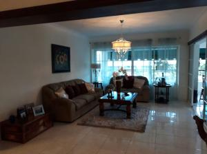 Apartamento En Ventaen Santo Domingo, Renacimiento, Republica Dominicana, DO RAH: 17-1221