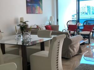 Apartamento En Alquileren Santo Domingo, Serralles, Republica Dominicana, DO RAH: 17-1301