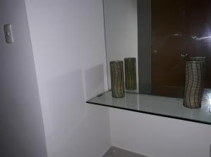 Apartamento En Alquileren Santo Domingo, Serralles, Republica Dominicana, DO RAH: 17-1345