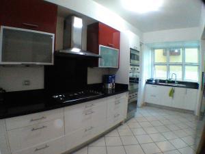Apartamento En Alquileren Santo Domingo, Evaristo Morales, Republica Dominicana, DO RAH: 17-1357