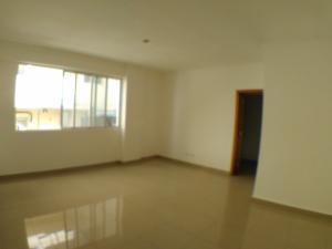Apartamento En Ventaen Santo Domingo, Serralles, Republica Dominicana, DO RAH: 17-1366