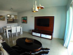 Apartamento En Alquileren Santo Domingo, Gazcue, Republica Dominicana, DO RAH: 17-1376