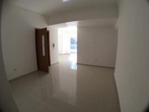 Apartamento En Alquileren Santo Domingo, Evaristo Morales, Republica Dominicana, DO RAH: 17-807