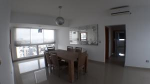 Apartamento En Alquileren Santo Domingo, Bella Vista, Republica Dominicana, DO RAH: 17-1395