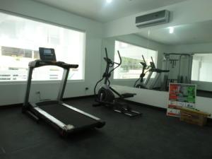 Apartamento En Ventaen Santo Domingo, Evaristo Morales, Republica Dominicana, DO RAH: 18-29
