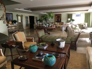 Apartamento En Alquileren Santo Domingo, Esperilla, Republica Dominicana, DO RAH: 18-52
