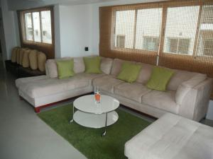 Apartamento En Alquileren Santo Domingo, Piantini, Republica Dominicana, DO RAH: 17-853