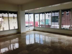 Apartamento En Alquileren Santo Domingo, Serralles, Republica Dominicana, DO RAH: 18-162