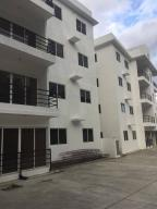 Apartamento En Ventaen Santo Domingo Norte, Cd Modelo Mirador Norte, Republica Dominicana, DO RAH: 18-164