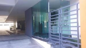 Apartamento En Alquileren Santo Domingo, Serralles, Republica Dominicana, DO RAH: 18-221