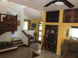Casa En Venta En Distrito Nacional - Altos de Arroyo Hondo Código FLEX: 18-1239 No.8