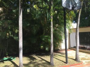 Casa En Venta En Distrito Nacional - Altos de Arroyo Hondo Código FLEX: 18-1239 No.3