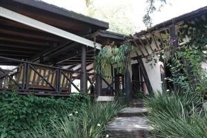 Casa En Venta En Santo Domingo Oeste En Altagracia - Código: 19-975
