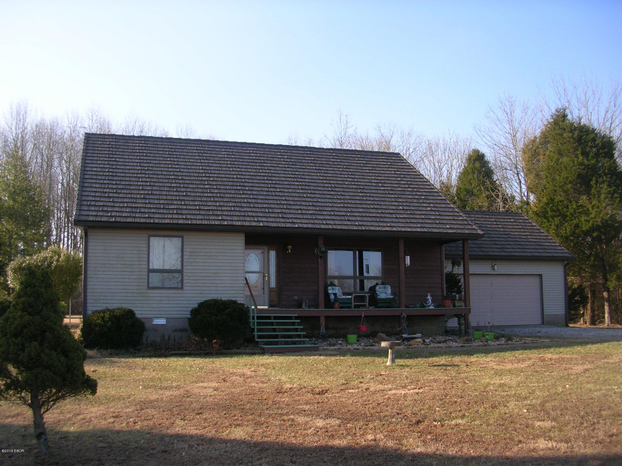 MLS#:417169 Address:  545 Woodhaven Lane Grantsburg 62943