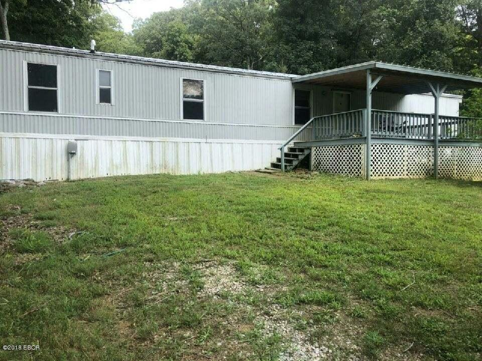 MLS#:422903 Address:  215 Benton Church Road Grantsburg 62943