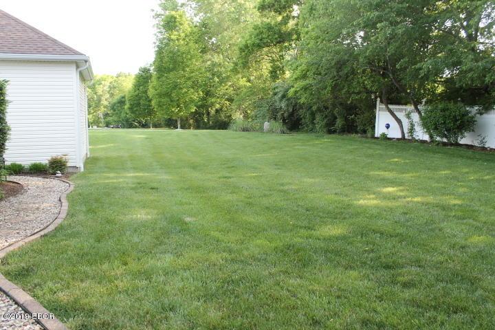MLS#:427806 Address:  318 Majestic Oak Murphysboro 62966