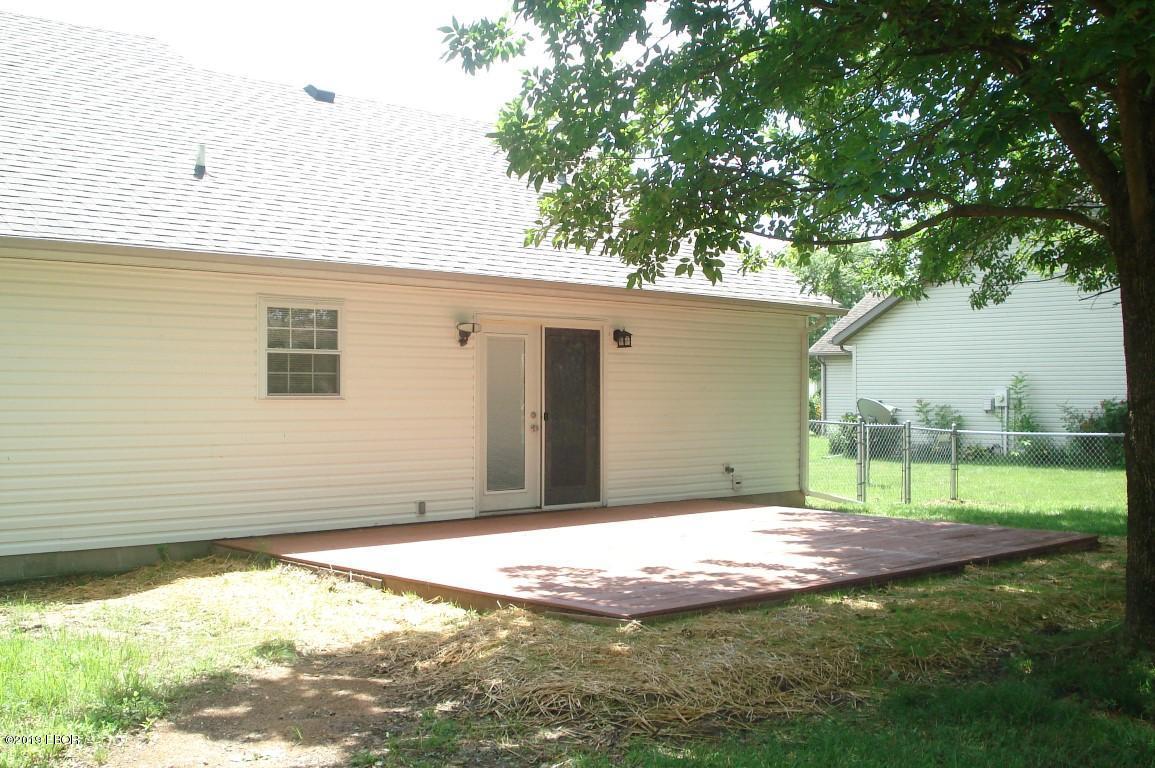 MLS#:428659 Address:  3021 Willow Branch Carterville 62918