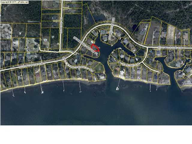 Photo of home for sale at 4525 Brickyard Bayou, Gulf Breeze FL