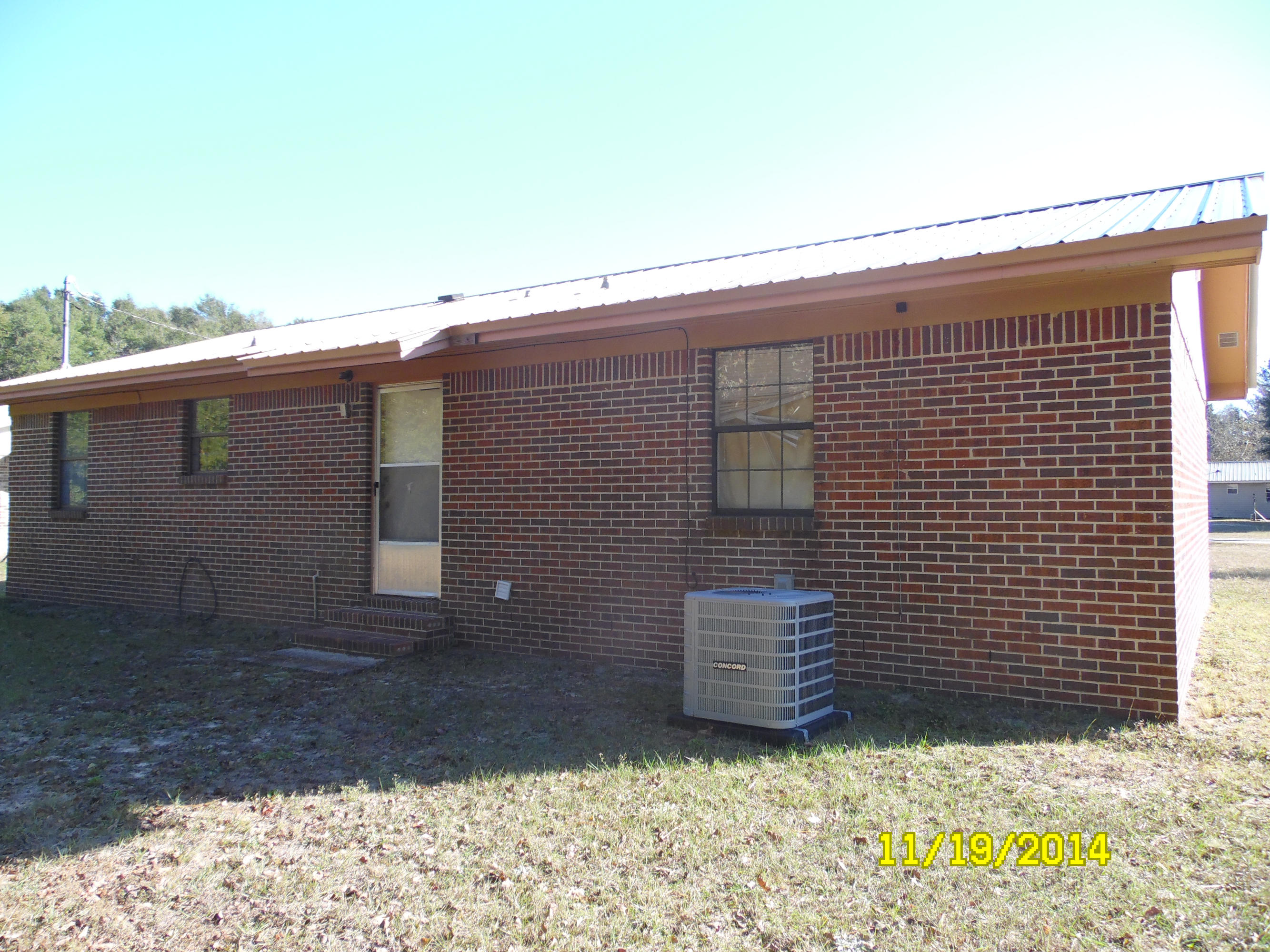 Photo of home for sale at 59 Constitution, Defuniak Springs FL