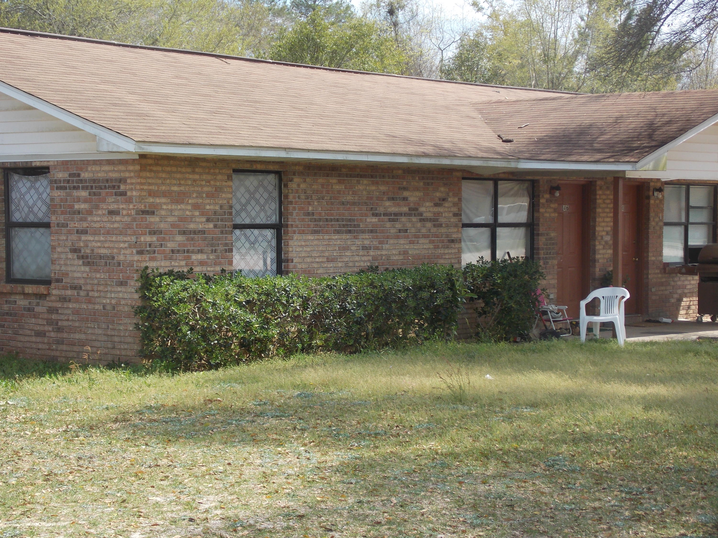 Photo of home for sale at 30 Twin Trees Dr, Defuniak Springs FL