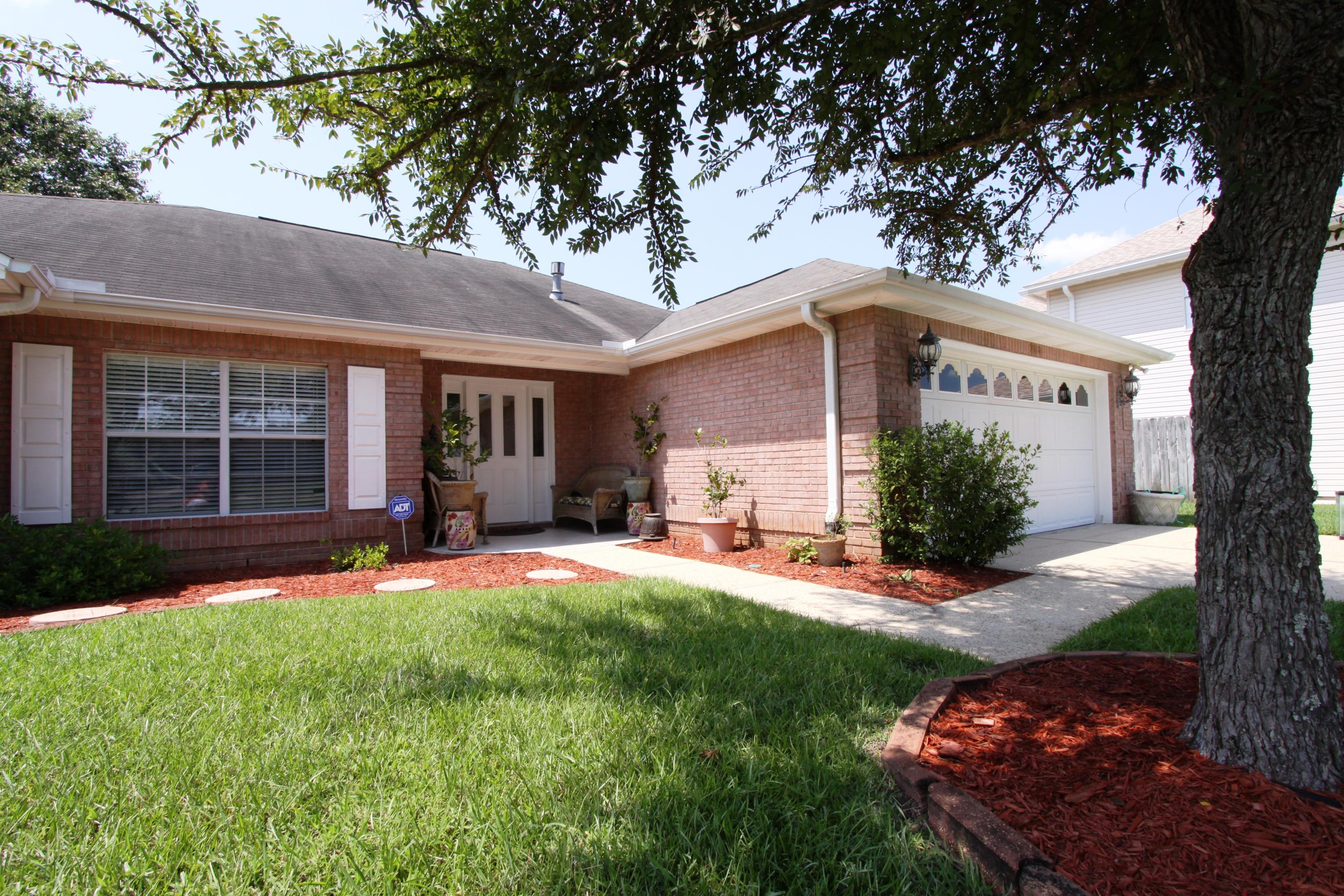 Photo of home for sale at 208 Linda, Fort Walton Beach FL