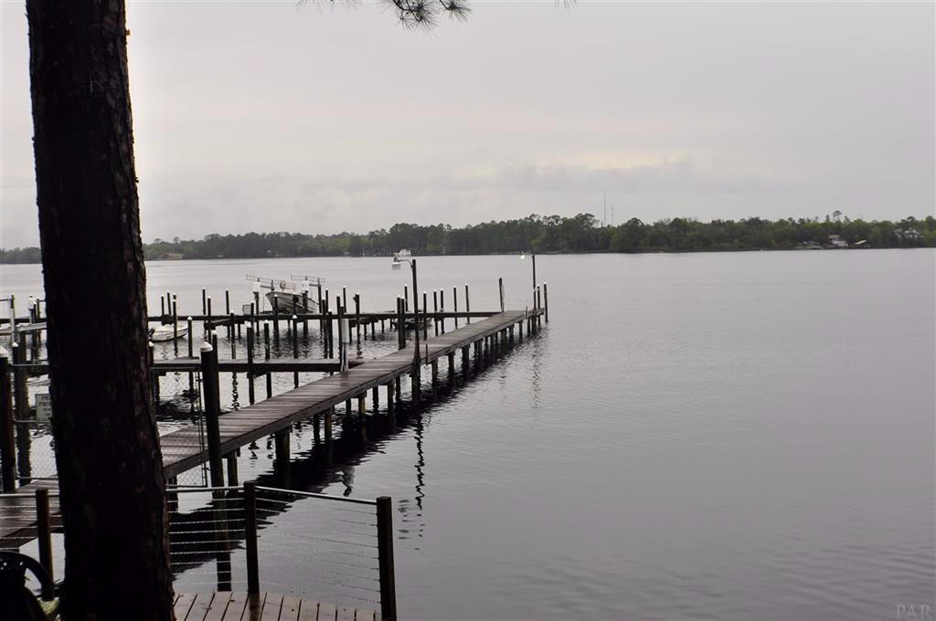Photo of home for sale at 7167 Majestic, Navarre FL