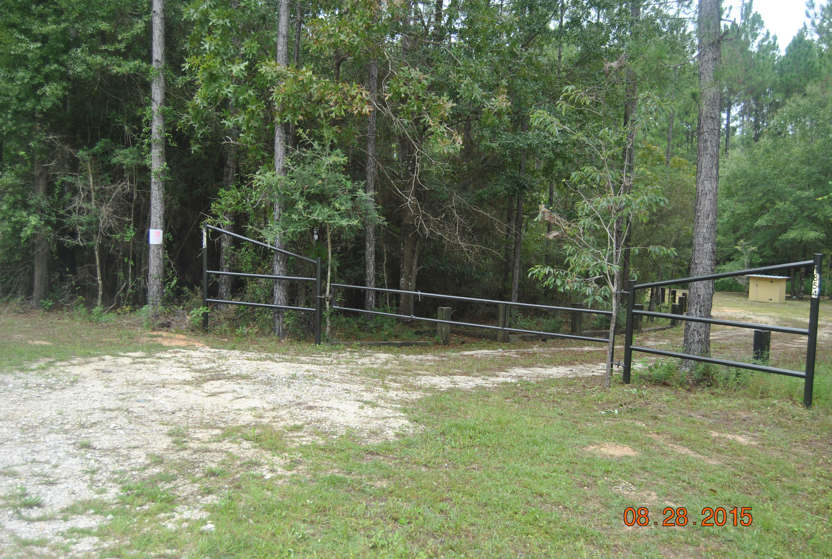Photo of home for sale at 1854 Rock Hill, Defuniak Springs FL